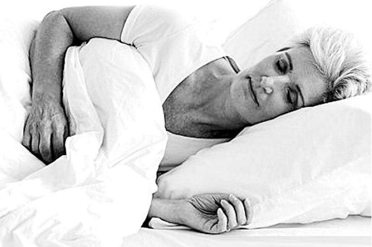 老人爱瞌睡或是心脑血管疾病信号